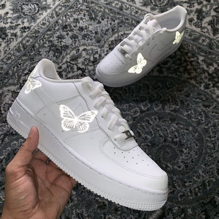 Pin by 🦋🍒 on SHOE CAM. Custom nike shoes, Nike shoes air