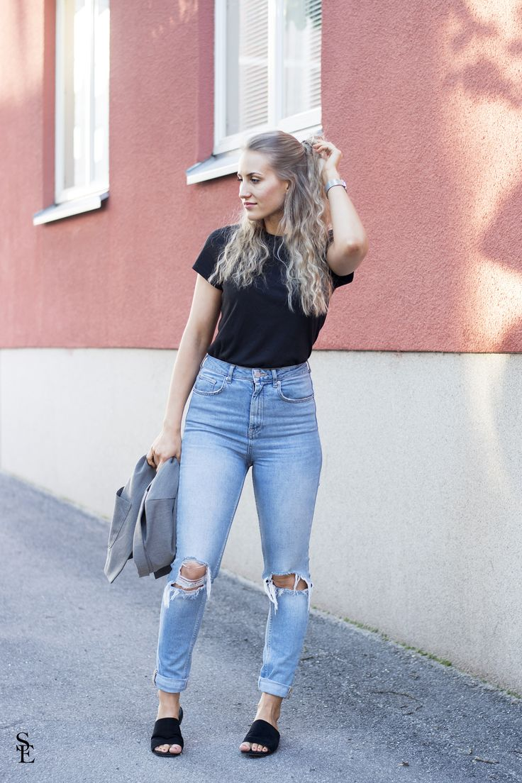 sandraemilia, outfit, t shirt and jeans, curly hair 5
