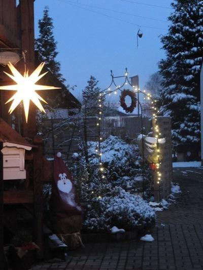 Best 25 herrnhuter sterne ideas on pinterest herrnhuter stern basteln beleuchteter stern and - Weihnachtsdeko herrnhuter sterne ...