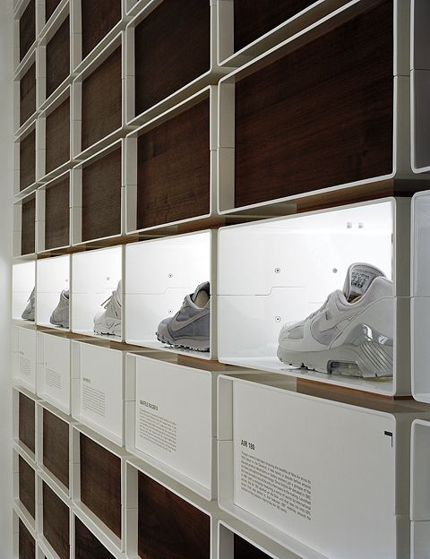 * stores design, minimalism, expositions* - Nike iD Flagship