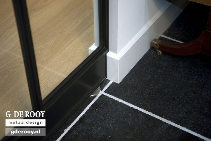 http://www.stalen-binnendeuren.nl/voorbeelden-stalen-deuren/27-stalen-binnendeuren-eindhoven