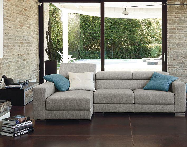 Soggiorno colorato ~ Oltre fantastiche idee su divani da soggiorno su