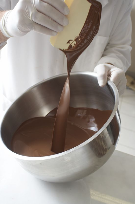 """""""Çikolata""""dan başka 4 mevsim aranan bir tat herhalde nadir bulunur. Geçmişten günümüze, Amerika'nın keşfiyle dünyaya yayılan, en ünlü mutfakların tatlı..."""