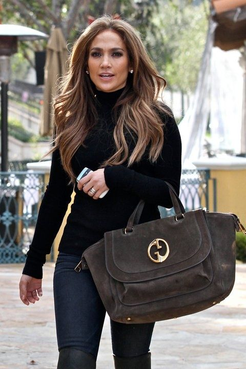 That hair!!!! Jennifer Lopez brown hair with blonde highlights
