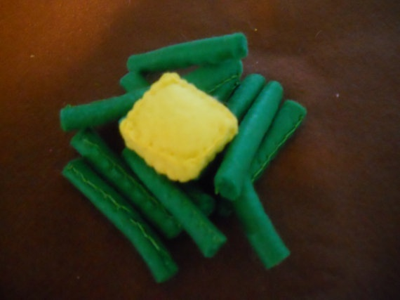 Green Beans  from Kathy's Montessori Life: Felt Food Thanksgiving!