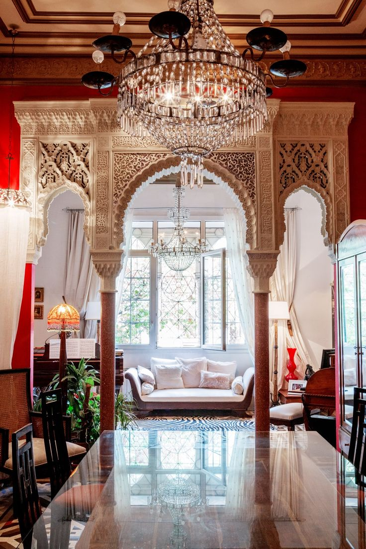 I find this Bohemian Home with a touch of Moroccan design style very  beautiful.