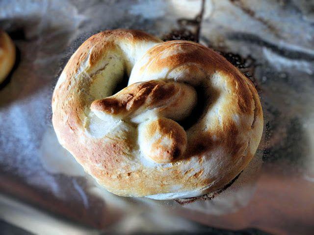 La Petite Brioche: Buttery Soft Pretzels | Yummy: Bread | Pinterest