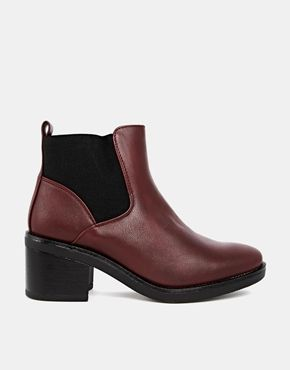 #heeled #chelseaboots #boots #booties #shoes