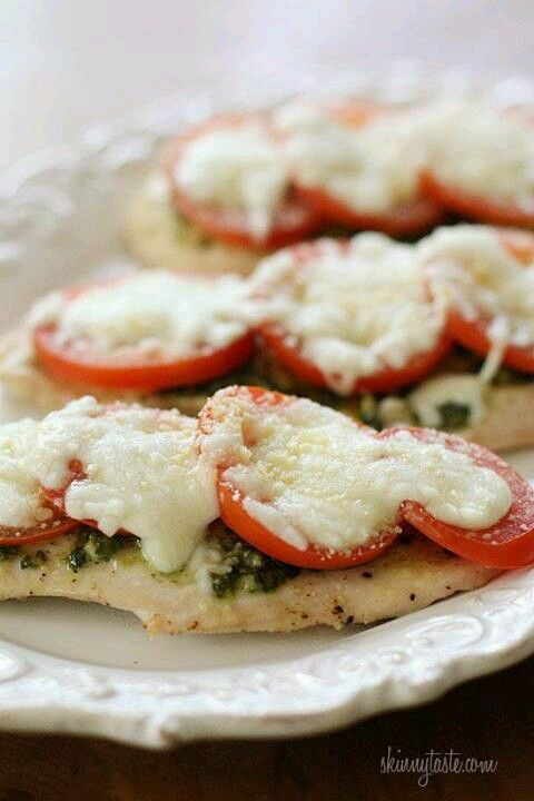 """""""Skinny taste pesto chicken"""" ♥ Eat well and lose 5 lbs in 5 days with iaso detox tea. www.detoxwithann.com - click Shop - Item #150"""