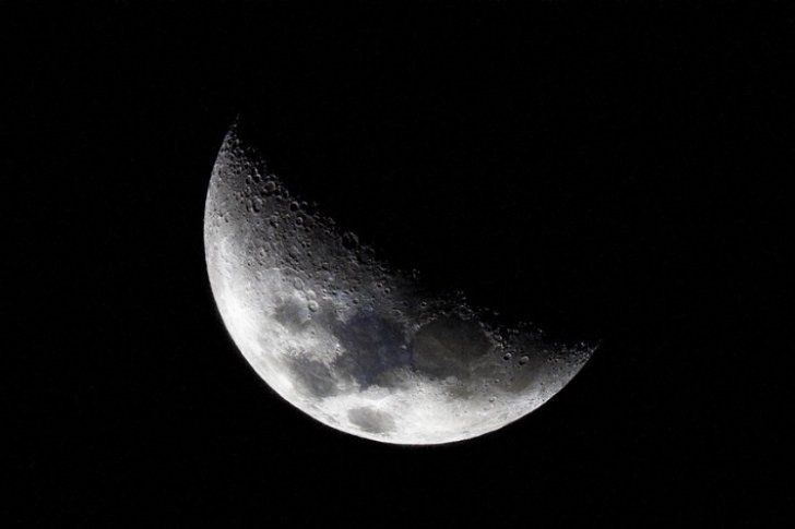 Exfuncionario de la NASA promete revelar oscuro secreto de la Luna
