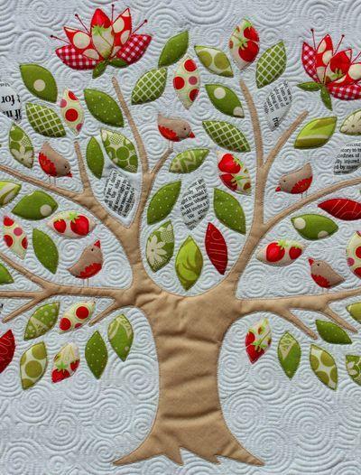Beautiful appliqué quilt!