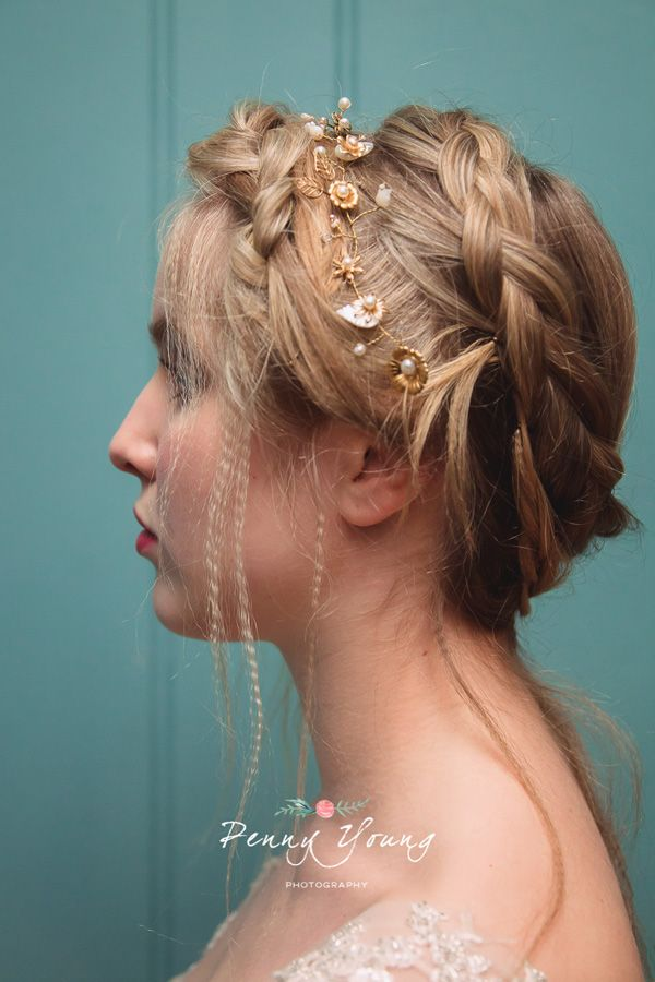 Vintage wedding accessories My Fayre Favourite Penny Young Photography (5)