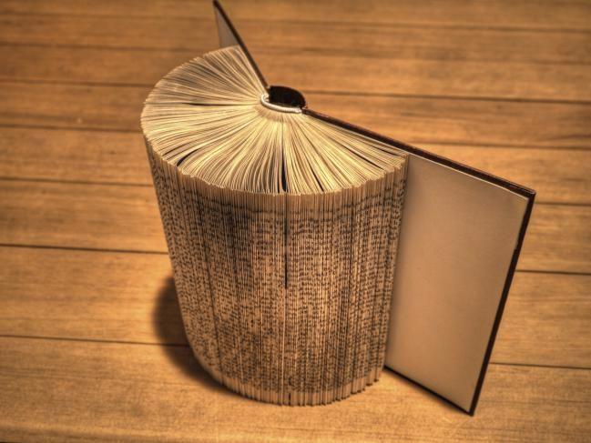 13 manualidades creativas con libros viejos que te - Manualidades con cd viejos ...