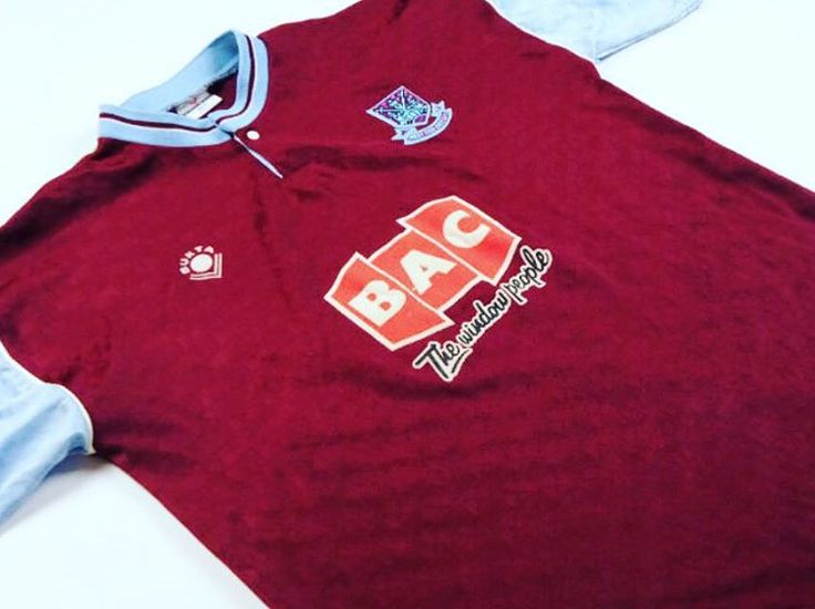 We couldn't resist one more #westham shirt for #MNF.  Classic 1989-1991 shirt.  For sale (plus thousands more at www.classicfootballjerseys.com  #classicfootball #classicfootballshirts #classicfootballjerseys #vintagefootballshirt #vintagefootballshirts #oldfootballshirt #oldfootballshirts #retrofootball #retrofootballshirts