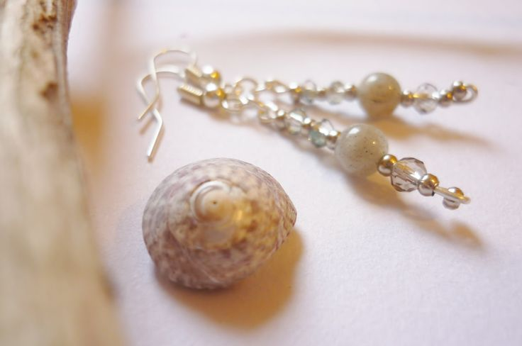 Labradorite and beads earrings by MoonstoneSerena on Etsy
