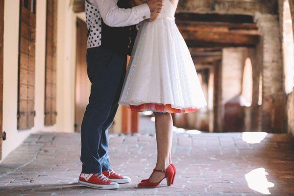 colorful rockabilly wedding http://weddingwonderland.it/2015/05/matrimonio-rockabilly-colorato.html
