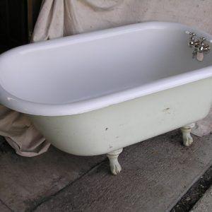 Old Bathtubs With Feet