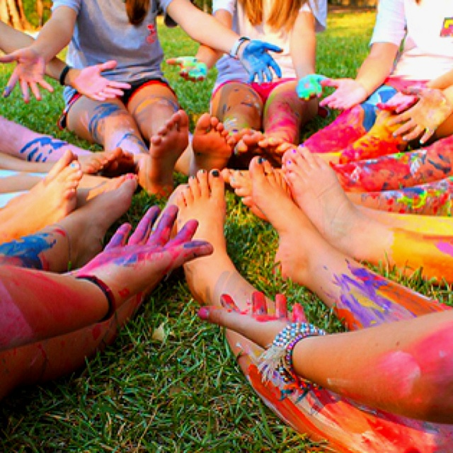 65 best images about paint a picture photo shoot on for Fun things to do with water balloons