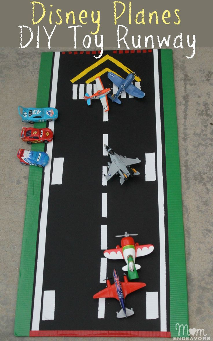 Disney Planes DIY Toy Runway via momendeavors.com. Easy to make & great for imaginative play!