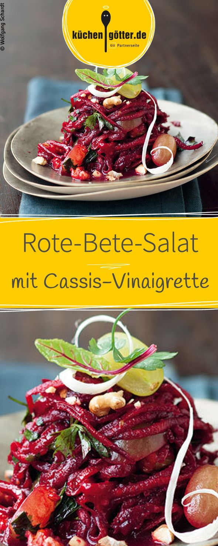 Rote-Bete-Salat mit einer fruchtigen Cassis-Vinaigrette und grünen Trauben, eine besonder Kombination von verschiedenen Geschmäkern. Ihr seid neugierig? Dann probiert unser Rezept aus!