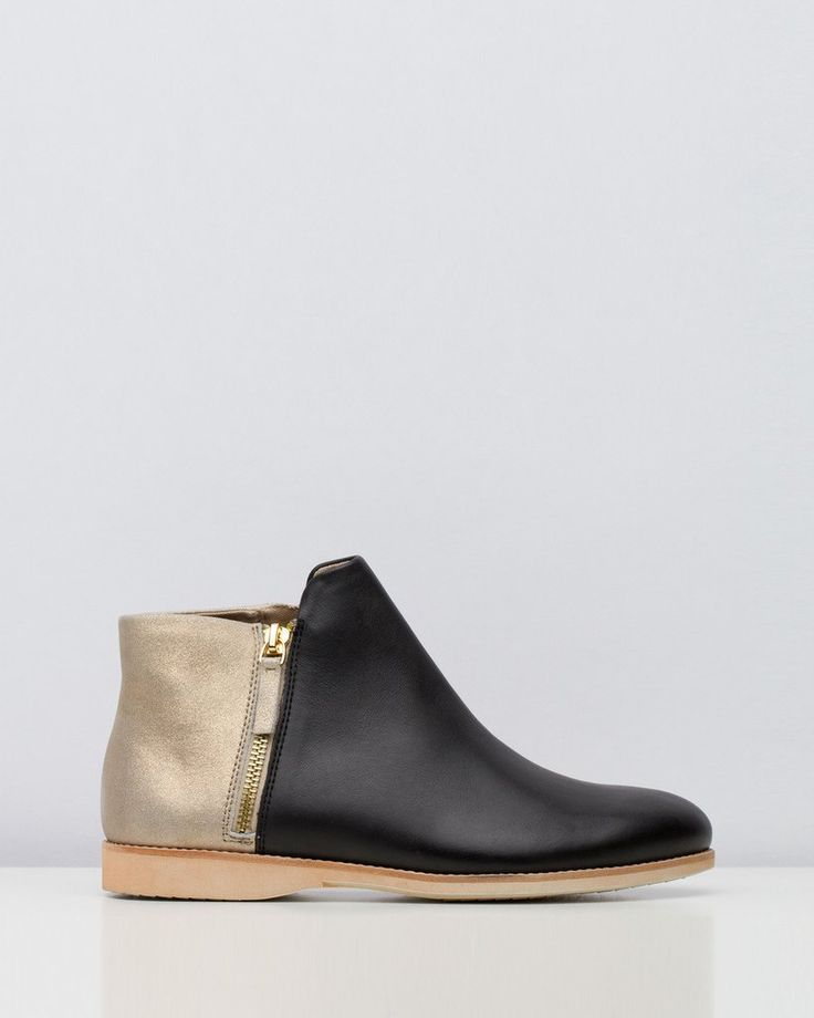 Rollie Side Zip Boot