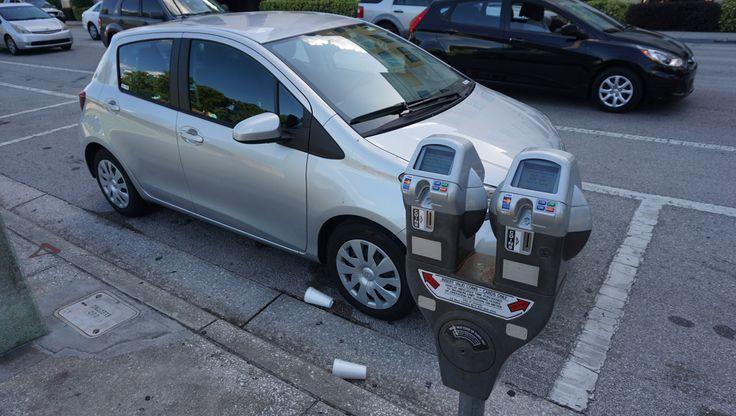 Dicas de como alugar carro em Orlando e dirigir, estacionar e abastecer na cidade que tem o maior mercado de carros alugados do mundo!