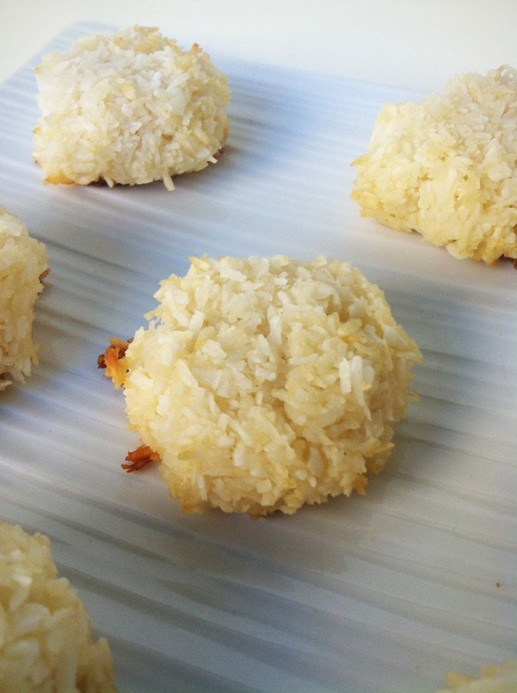 HEALTHY COCONUT MACAROONS  Ingredients:  2 Egg Whites  3 Packets Stevia  1 Tbsp Honey or Agave  1 Scoop Vanilla Protein Powder (Optional)  2/3 Cup Unsweetened Shredded Coconut