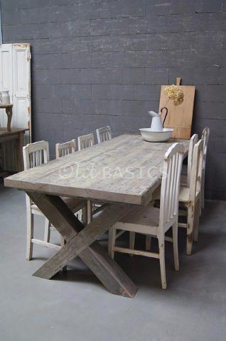 Eettafel 20056 - Robuuste houten eettafel met x poot. De tafel is grijs en groen gemêleerd van kleur, met een mooie verweerde structuur. Een stoere blikvanger deze tafel!