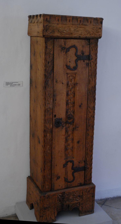 Gotischer Schrank, Zirbelkiefer Um 1500, Germanisches Nationalmuseum