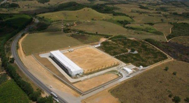 Resinas produzidas no Espírito Santo serão exportadas Área na Serra onde a unidade industrial da Geofin vai operar. Por ano, a empresa prod...