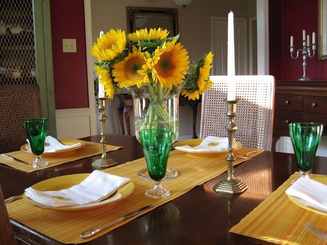Yellow Placemats With Burgundy Dining Room