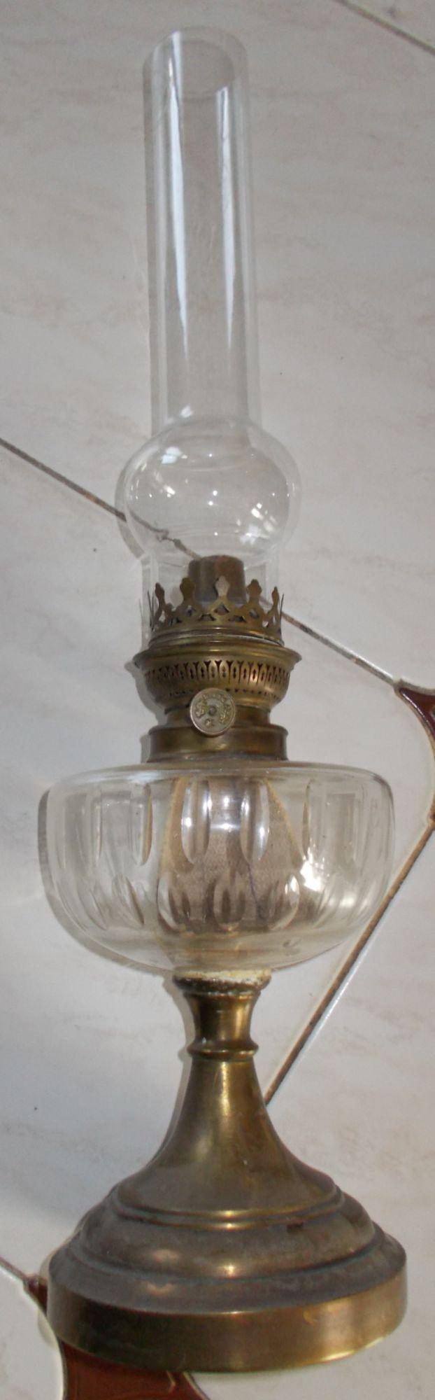 1000 id es sur le th me lampe a petrole sur pinterest lampe sarcelle d cor de lampe huile. Black Bedroom Furniture Sets. Home Design Ideas