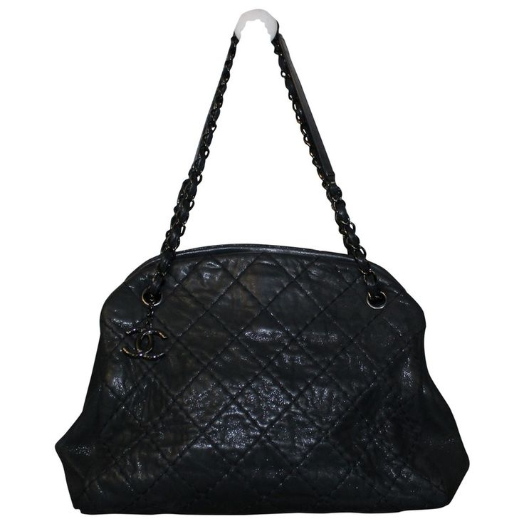 black Plain Leather CHANEL Handbag - Vestiaire Collective