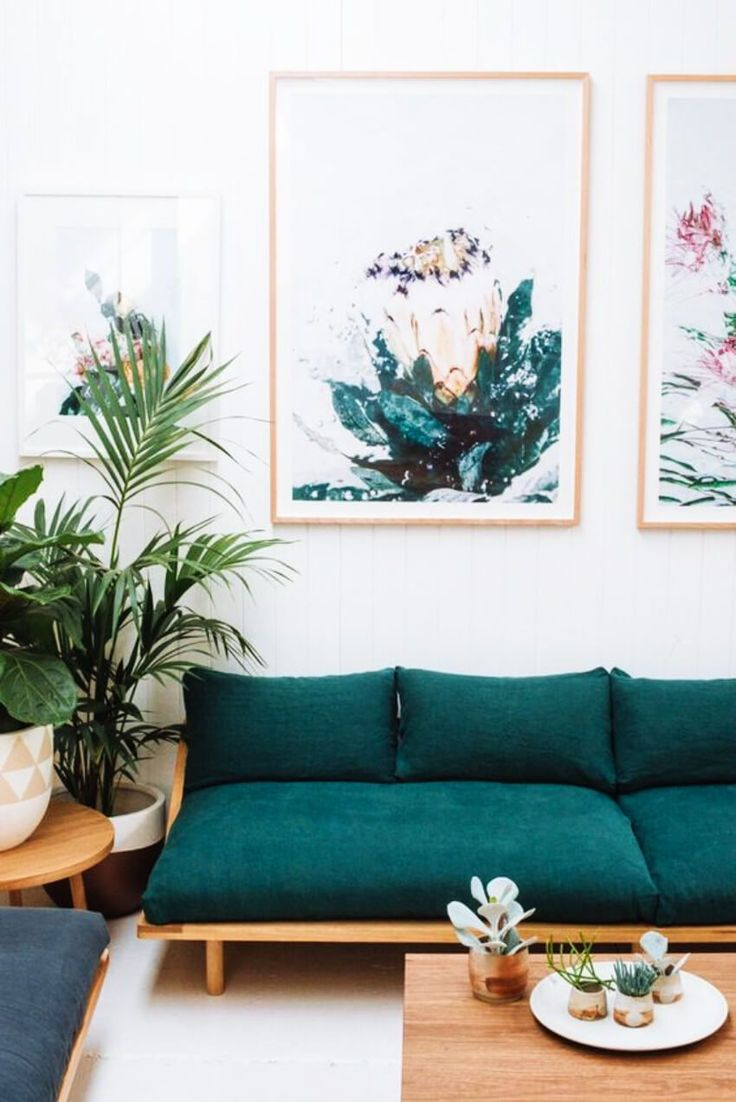 10 Ideas to Fill the Space Above Your Couch
