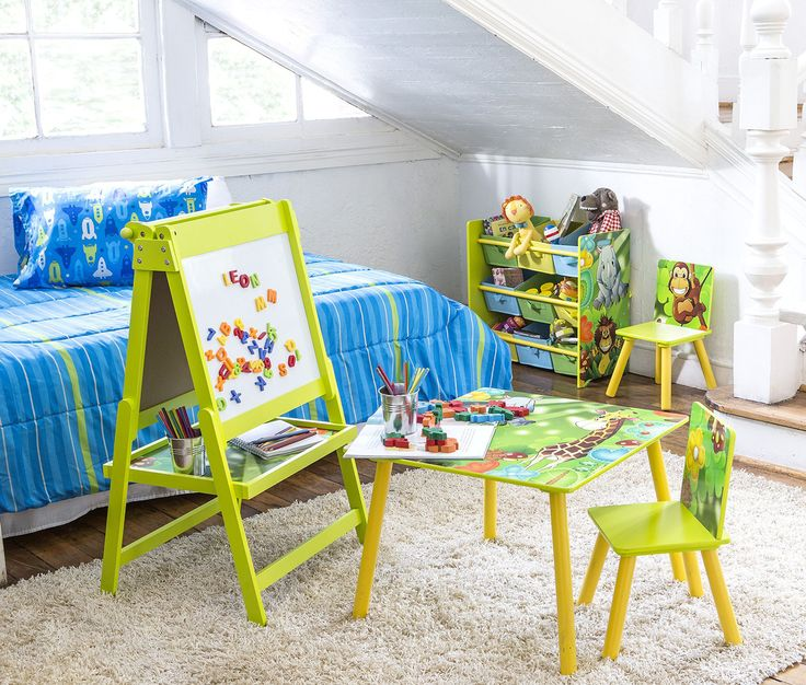 Mesa infantil con 2 sillas verde Home Kids. Kids Rugs, Home Decor, Green Chairs, Houses, Decoration Home, Kid Friendly Rugs, Room Decor, Home Interior Design, Home Decoration