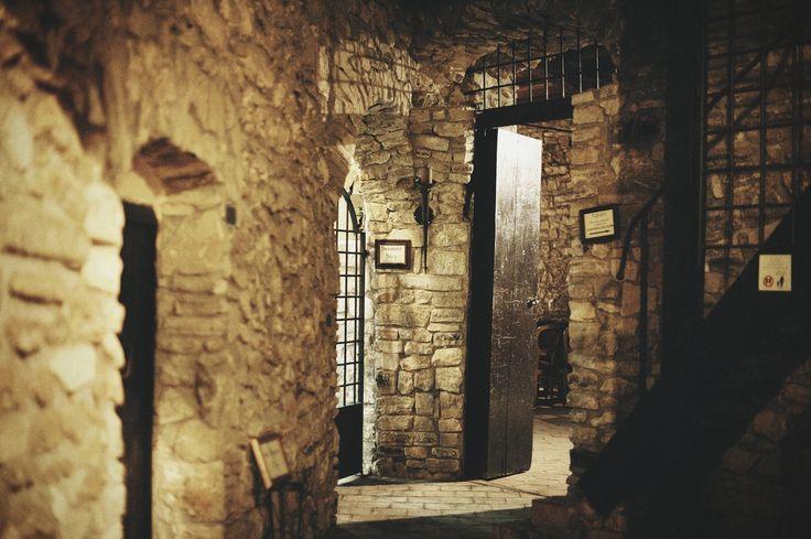 Interno Museo Castello Chiaramonte Siculiana AG - Ricevimenti Impeccabili  #castello #location #ville #matrimoni #siculiana #agrigento #caltanissetta  #enna #valledeitempli #ricevimenti #sposi #wedding #sicilia #sicily #castle #wedding #nozze #valleyofthetemples #relax