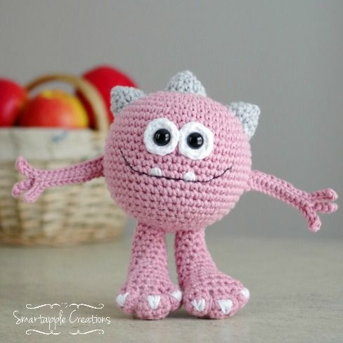 Huggy Monster | ravelry | pattern: http://www.ravelry.com/patterns/library/huggy-monster