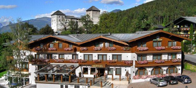 Hochzeitslocation Salzburg Hotel Zur Burg Kaprun - Top Hochzeits-Location Österreich #hochzeit #feiern #location #event #einzigartig #weiß #schwarz #heirat #österreich #special #wedding #unique #stunning #garden #love #hochzeitsfeier #salzburg