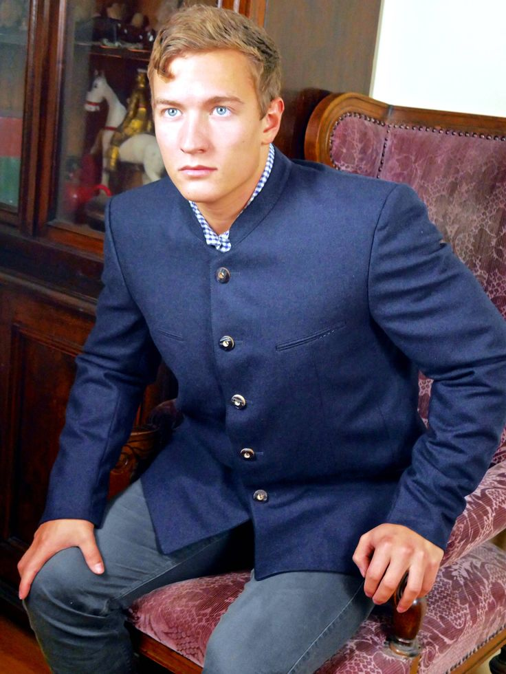 Vintage Trachten Jacket, Navy Blue Wool Bavarian Octoberfest Jacket, Dark Blue Tyrol Jacket w Faux Antler Buttons: Size 40 US/UK by YouLookAmazing on Etsy