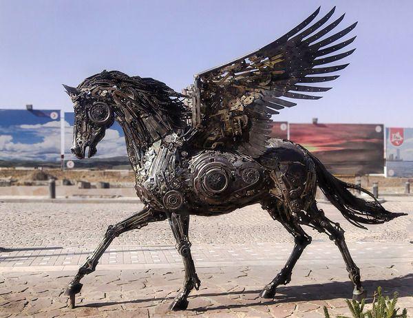 ペガサスの動物彫刻