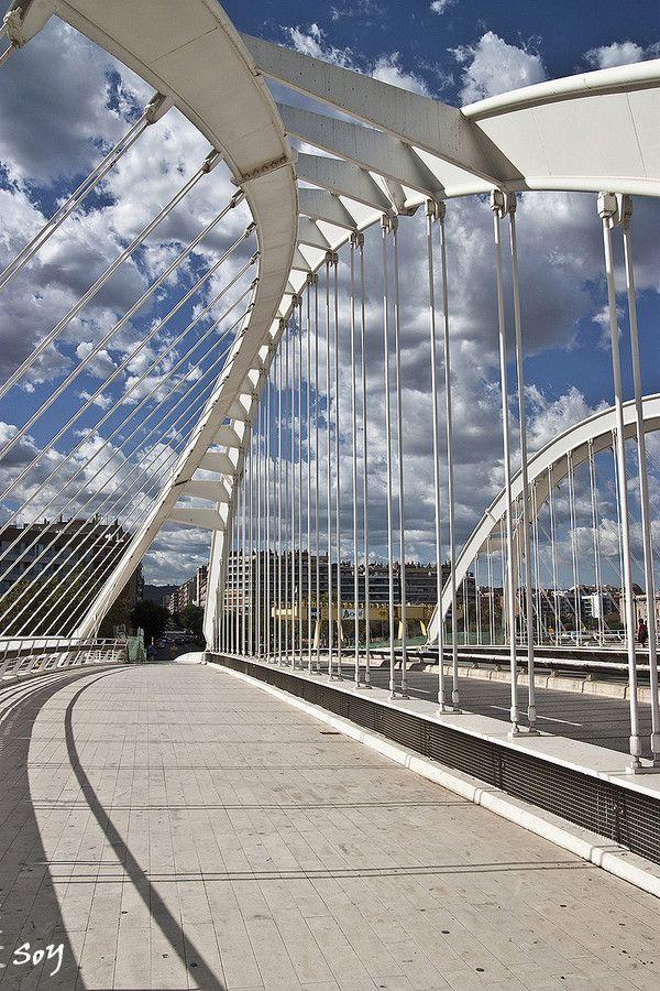 Photo El puente de Bac de Roda (Santiago Calatrava), BCN by Svetlana Luz (SoY) on 500px
