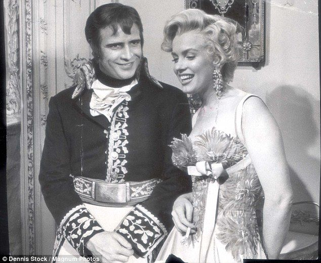 Marylin Monroe and Marlon Brando