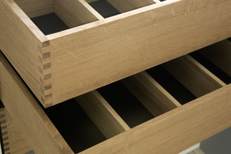 Made by hand: All drawers are made in solid oakwood