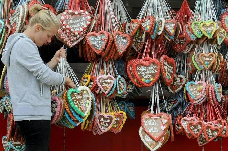 This article talks about the story of the authentic German Lebkuchen and how to …