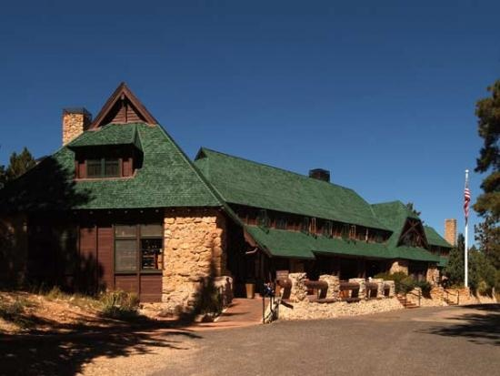Bryce Canyon Lodge is 1920s rustic charm