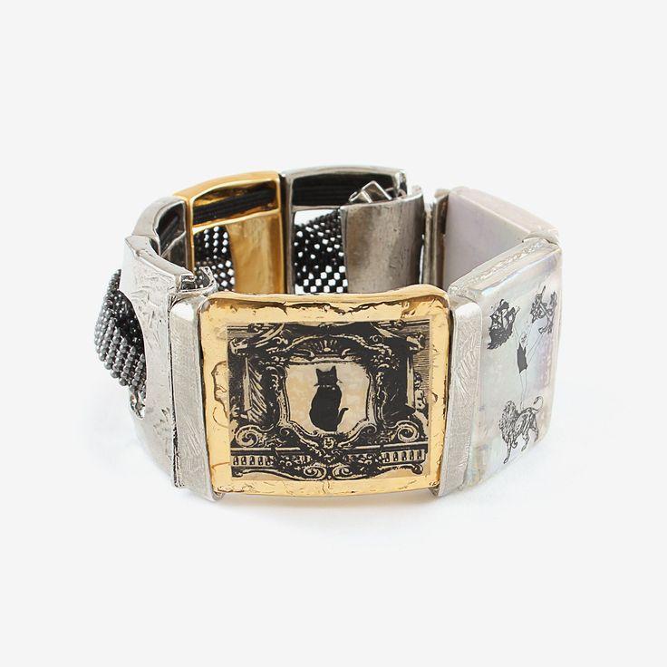 "Bracelet Trilogie (Étain, Plaqué or brillant 22K, Verre) Circonférence 16cm === Trilogie bracelet (Pewter, 22K Gold-Plated, Glass) Circumference 6.3"""