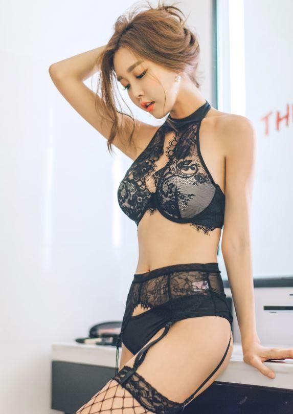 black lace langerie https://thezam.co.kr #black#lace#langerie#레이스#브라#섹시#모델#쇼핑몰#화보