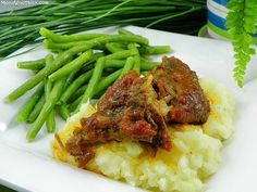 Dinner menu all planned makes it easy -- Chili Coke Roast (in the crock pot), Mashed Potatoes and Garlicky Green Beans (I use fresh green beans)