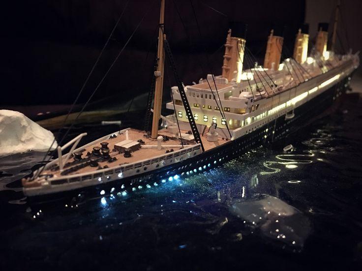Titanic Sinking Diorama Scale Model  #Titanic#Sinking#Diorama#model#scale