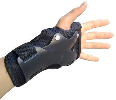 New guard safety gear gloves skateboard gloves  hand protector brake on guard safety